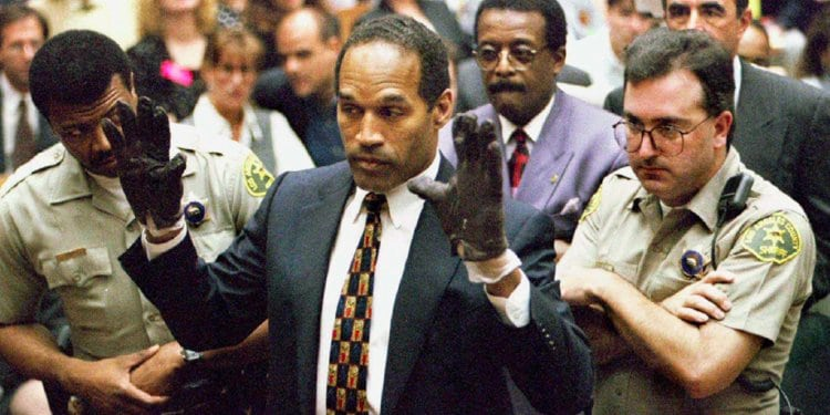 Celebrity Scandals - OJ Simpson in gloves