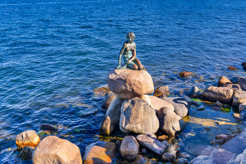 den lille havfrue (the little mermaid) statue