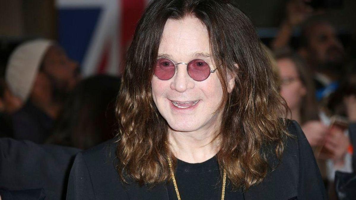 """Ozzy Osbourne arrested bizarre celebrities """"width ="""" 1200 """"height ="""" 675 """"srcset ="""" https://www.top5.com/wp-content/uploads/ 2013/01/ ozzy-osbourne-bizzare-celebrity-arrests-.jpg 1200w, https://www.top5.com/wp-content/uploads/2013/01/ozzy -osbourne-bizzare-celebrity-arrests - 300x169.jpg 300w, https : //www.top5.com/wp-content/uploads/2013/01/ozzy-osbourne-bizzare-celebrity-arrests--768x432.jpg 768w, https://www.top5.com/wp-content/uploads /2013/01/ozzy-osbourne-bizzare-celebrity-arrests--1024x576.jpg 1024w, https://www.top5.com/wp-content/ uploads / 2013/01 / ozzy-osbourne-bizzare-celebrity-arrests --640x360.jpg 640w, https://www.top5.com/wp-content/uploads/2013/01/ozzy-osbourne-bizzare-celebrity-arrests- 320x180.jpg 320w, https: //www.top5. com / wp-content / uploads / 2013/01 / ozzy-osbourne-bizzare-celebrity-arrests - 280x158.jpg 280w, https://www.top5.com/wp-content/uploads/ 2013/01/ozzy- osbourne-bizz are-celebrity-arrests - 316x177.jpg 316w """"Gr SEN = """"(maximum width: 1200px) 100VW, 1200px"""