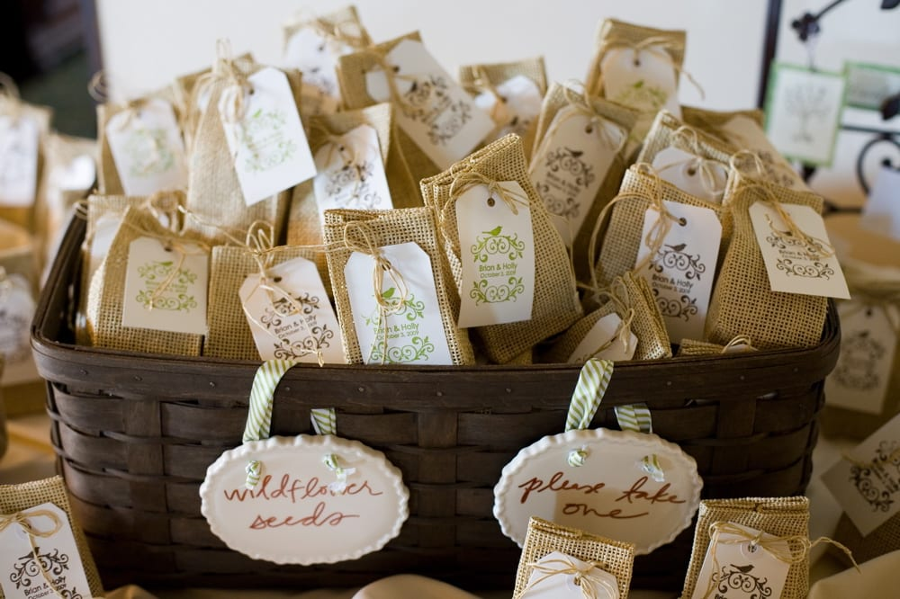 Cant Think Of What To Give Your Wedding Guests These Are Our Top