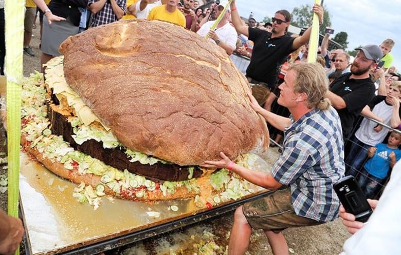 weird world records largest hamburger