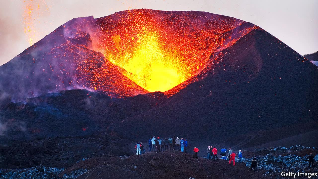 volcanic eruptions natural phenomenon