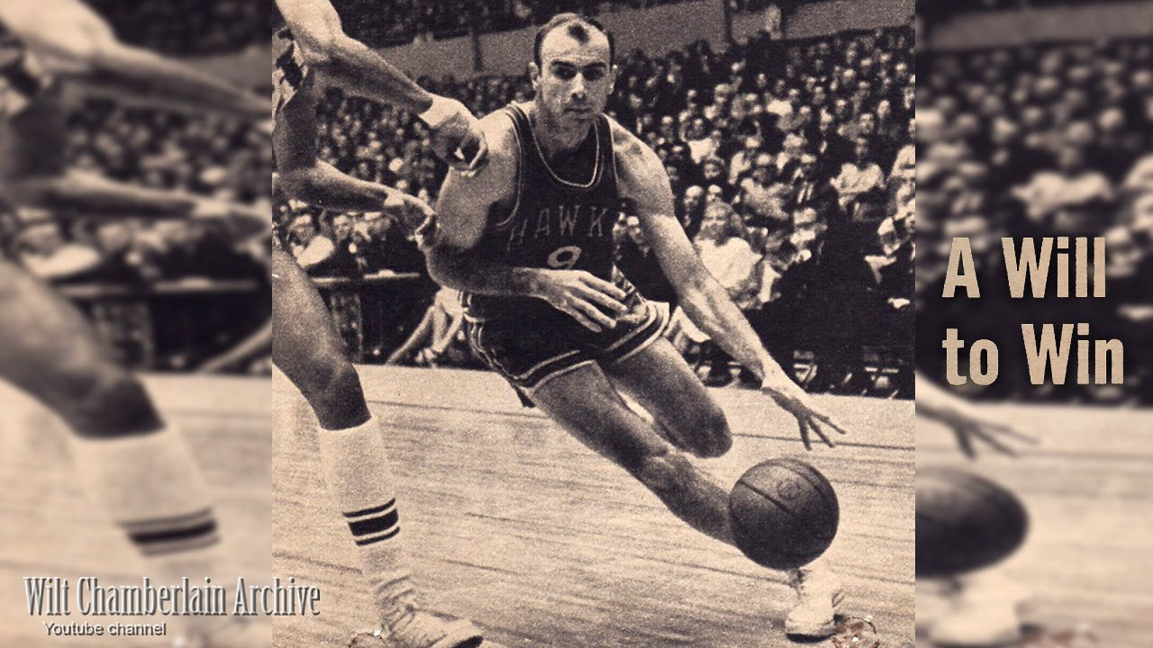Bob Petit playing for the Hawks - He was one of the highest scoring NBA players who played in the forward position