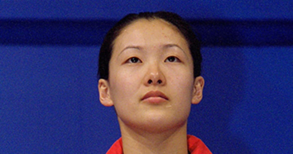 Mingxia was one of the youngest adolescent record setters in athletics