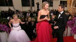 Jennifer Lawrence photobombs Taylor Swift at the Golden Globes | best celebrity photobombs