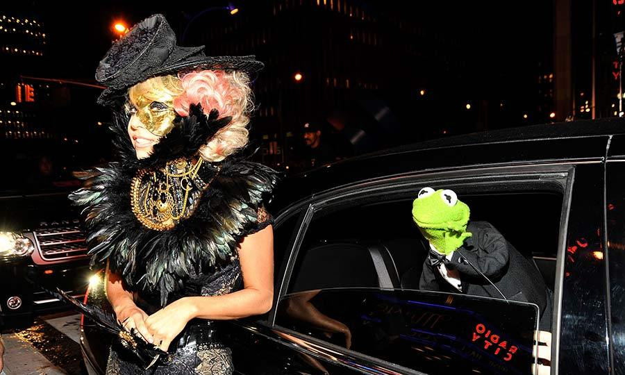 Kermit the frog photobombing Lady Gaga is one of the best celebrity photobombs of all time