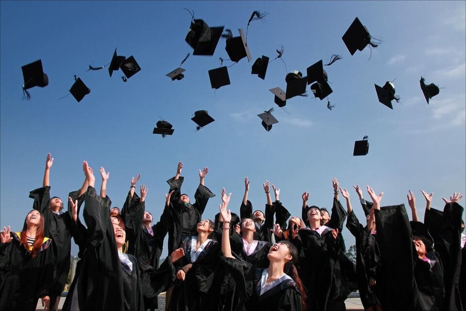 5 Best Job Hunting Tips for Recent College Grads