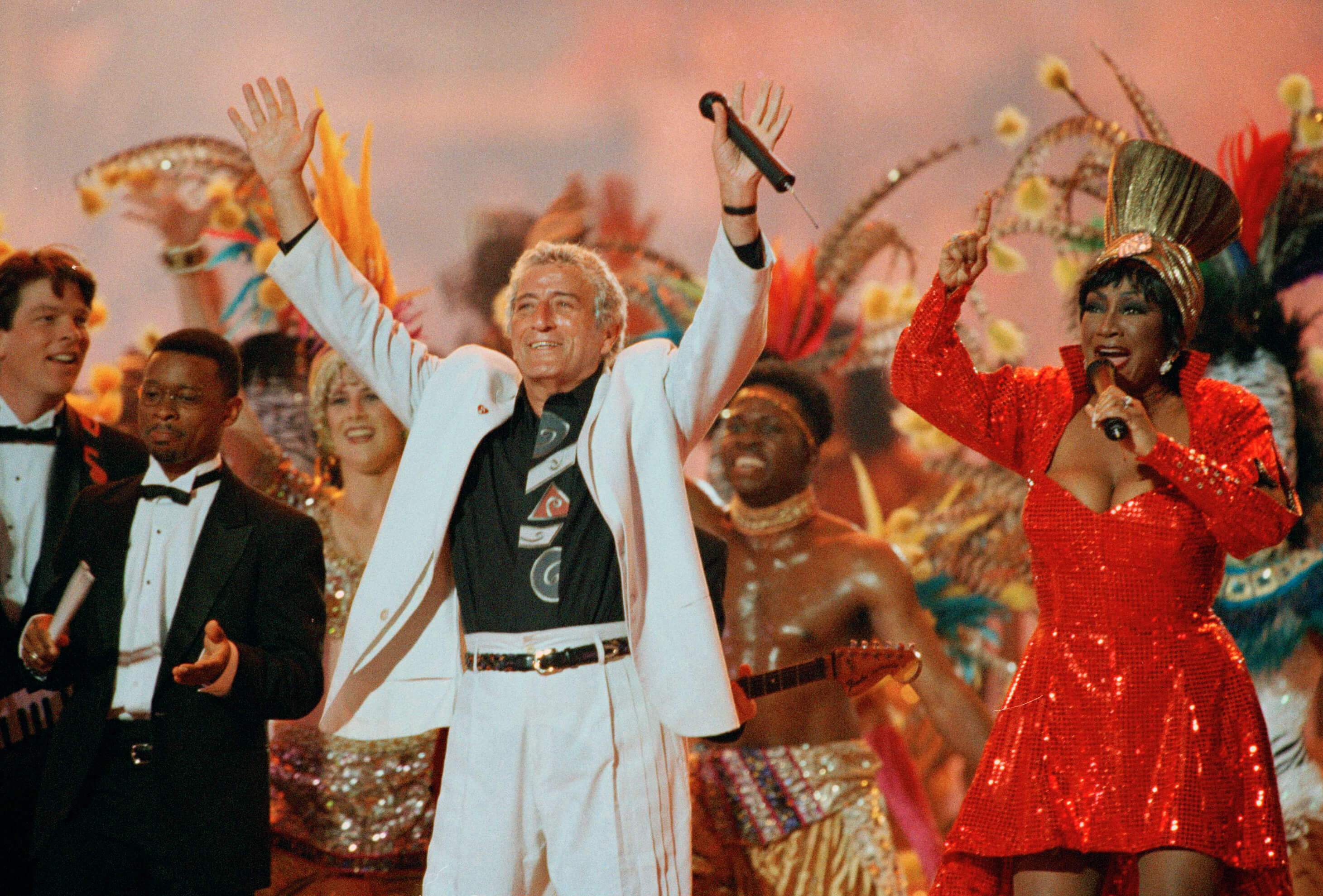 The Indian Jones theme made these two legendary singers one of the worst Superbowl halftime singers