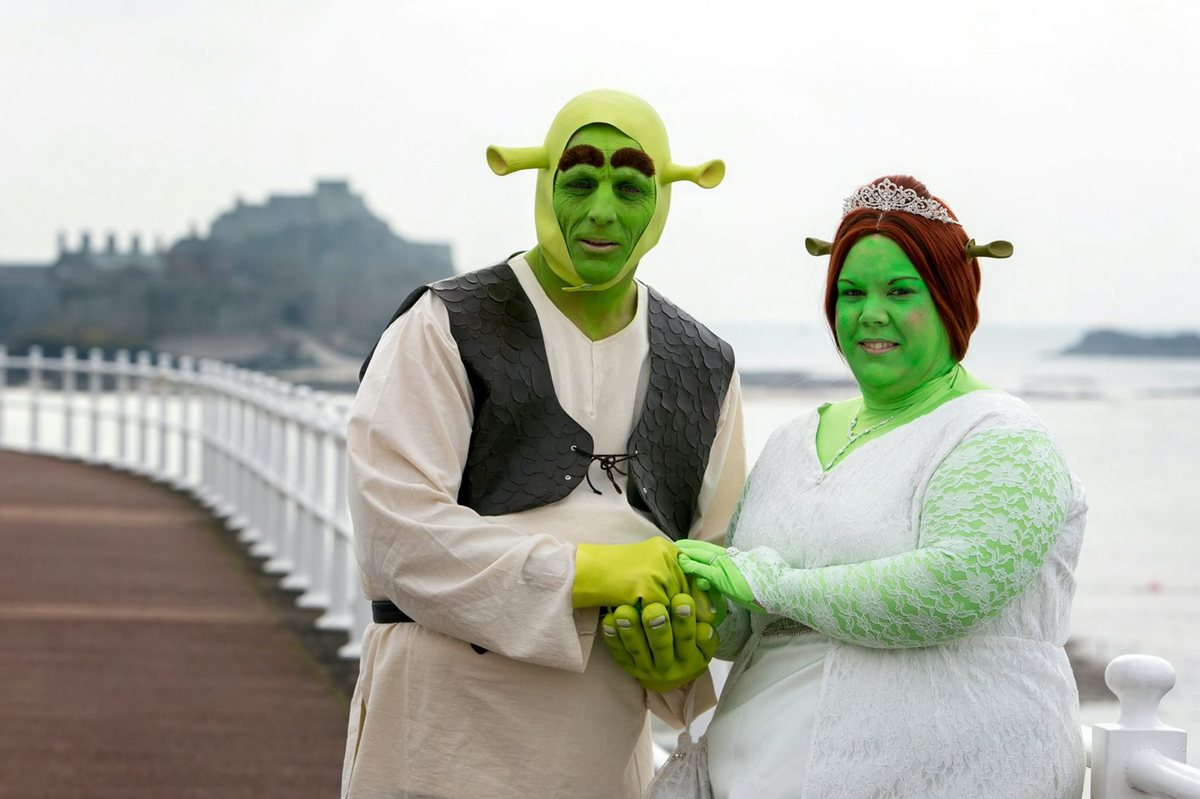 Bizarre-Wedding-Shrek