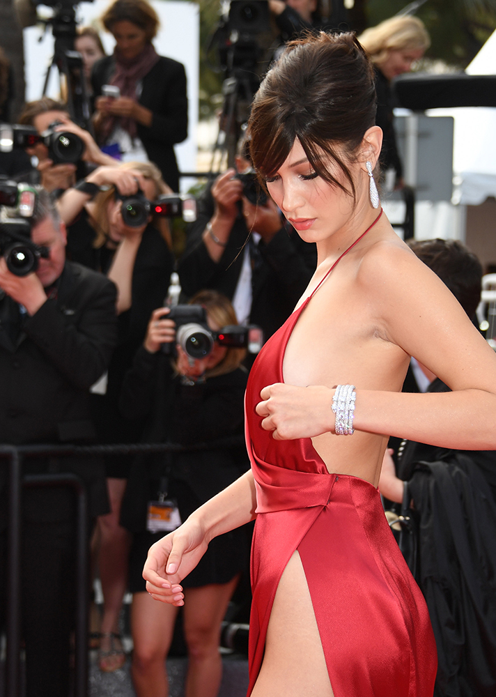 bella hadid wardrobe malfunction
