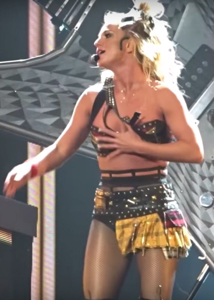 brittany spears wardrobe malfunction