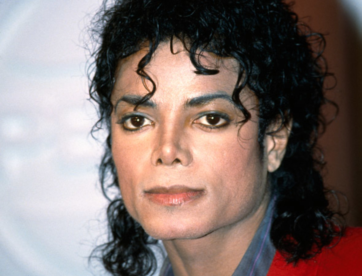 Micheal Jackson is widely acknowledged as the best performer of all time