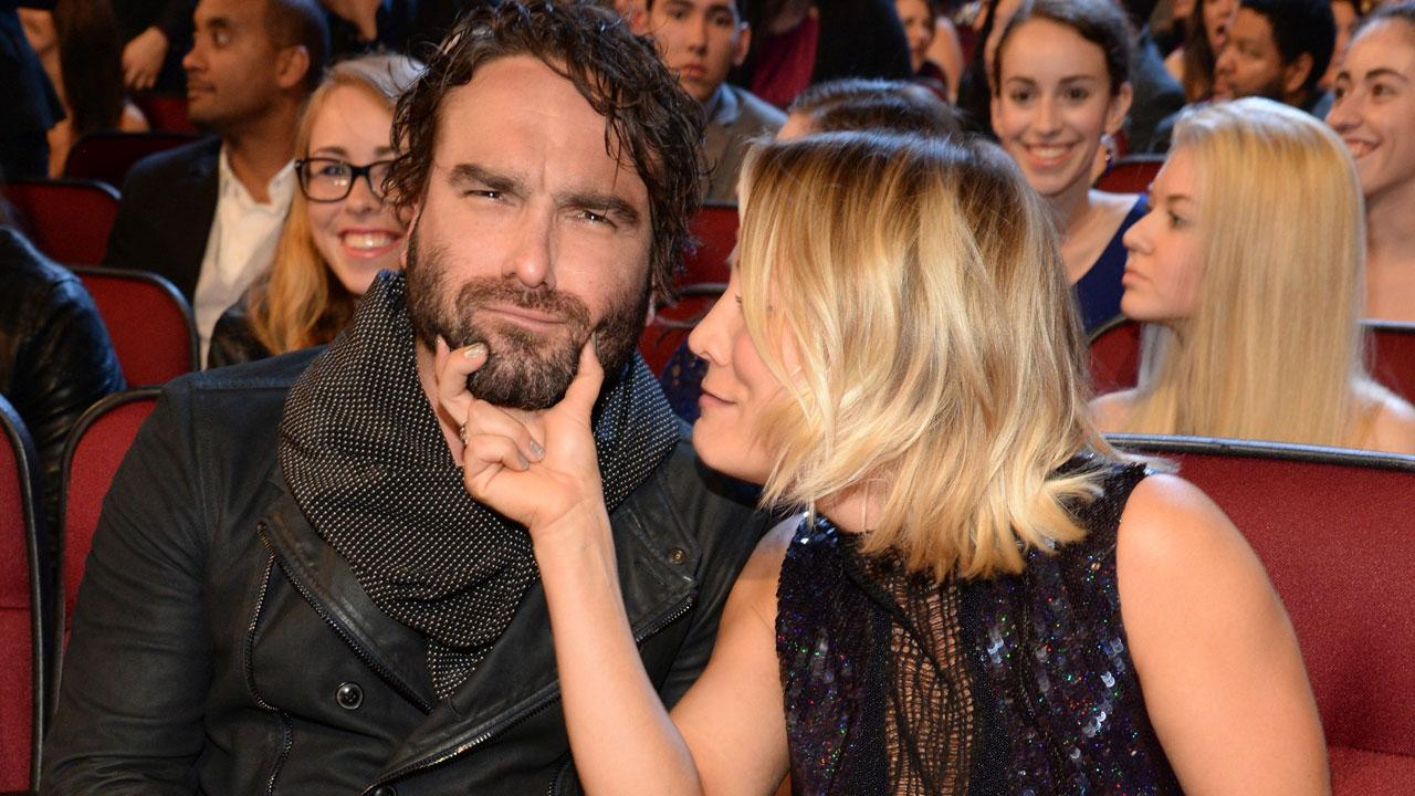 Kaley Cuoco & Johnny Galecki had an unstable relationship