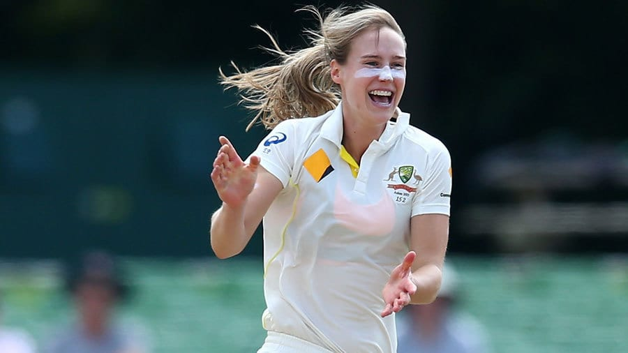 Ellyse Perry is one of the top female multi-sports professional athletes