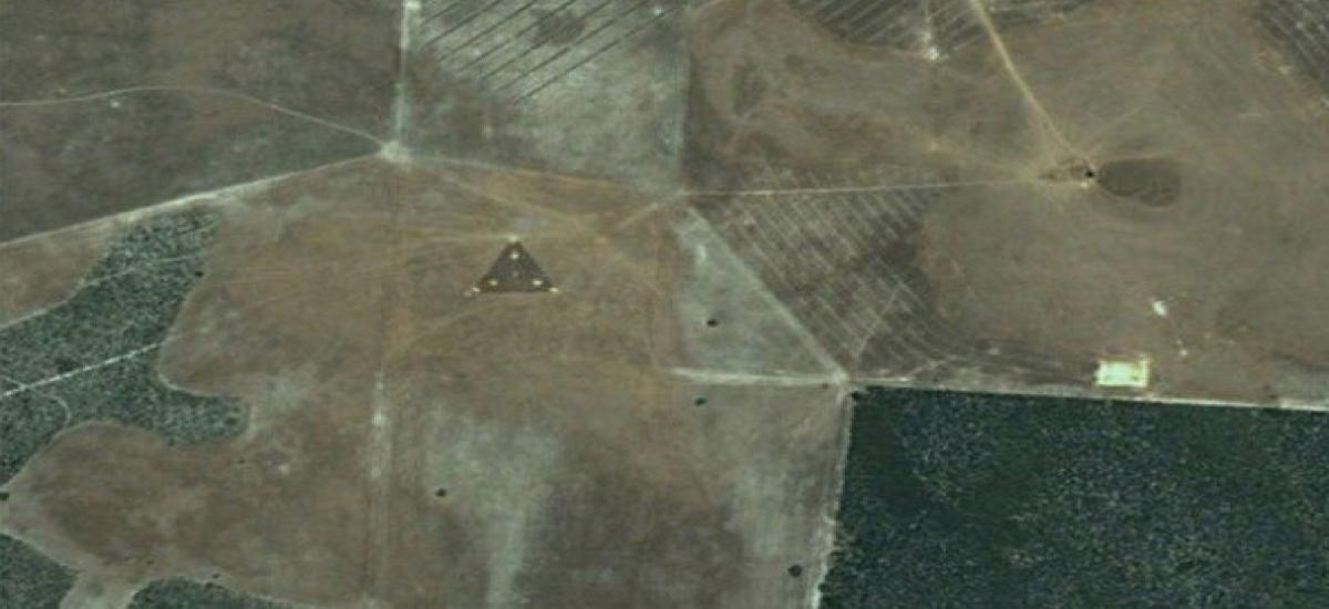 ufo landings odd things on google maps