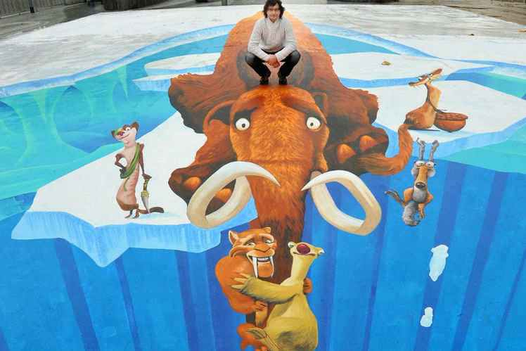 This 3D street chalk Ice Age design took Mueller 5 days to complete