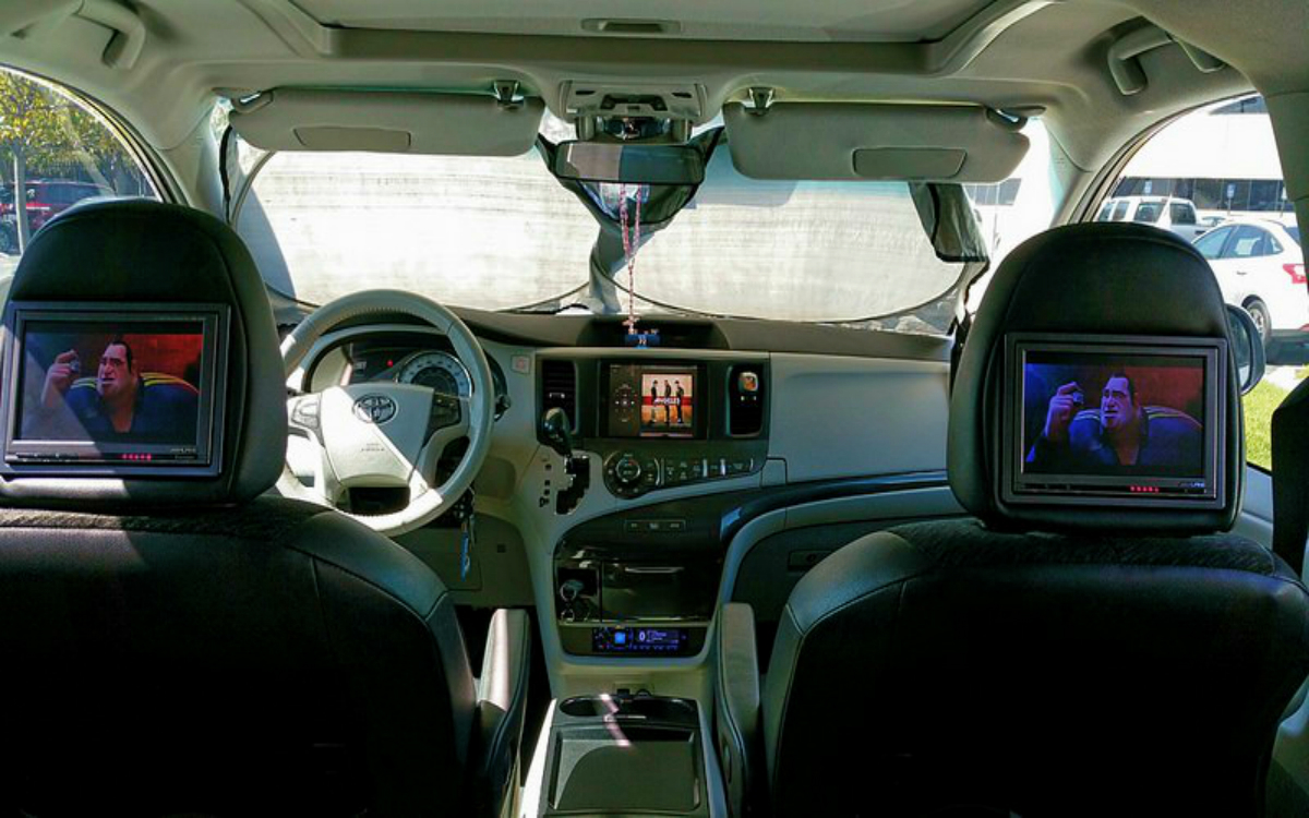 TV in Minivan