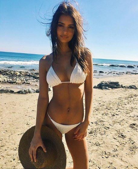 celeb bikini bod Emily Ratajkowski
