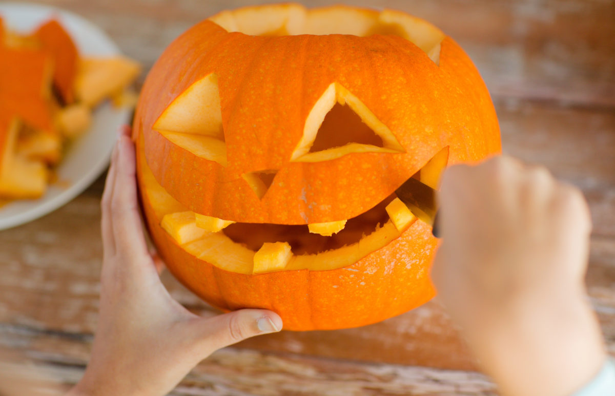 Pumpkin Carving Tips Featured Image