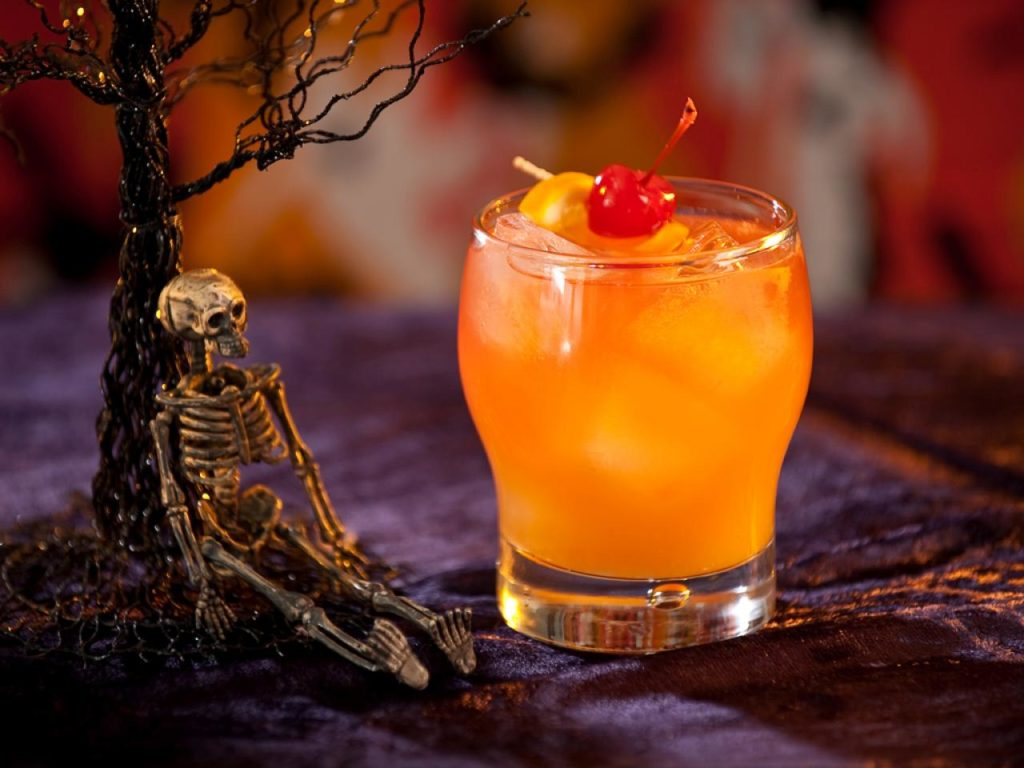 Top 5 Festive Cocktail Recipes For Your Halloween Party