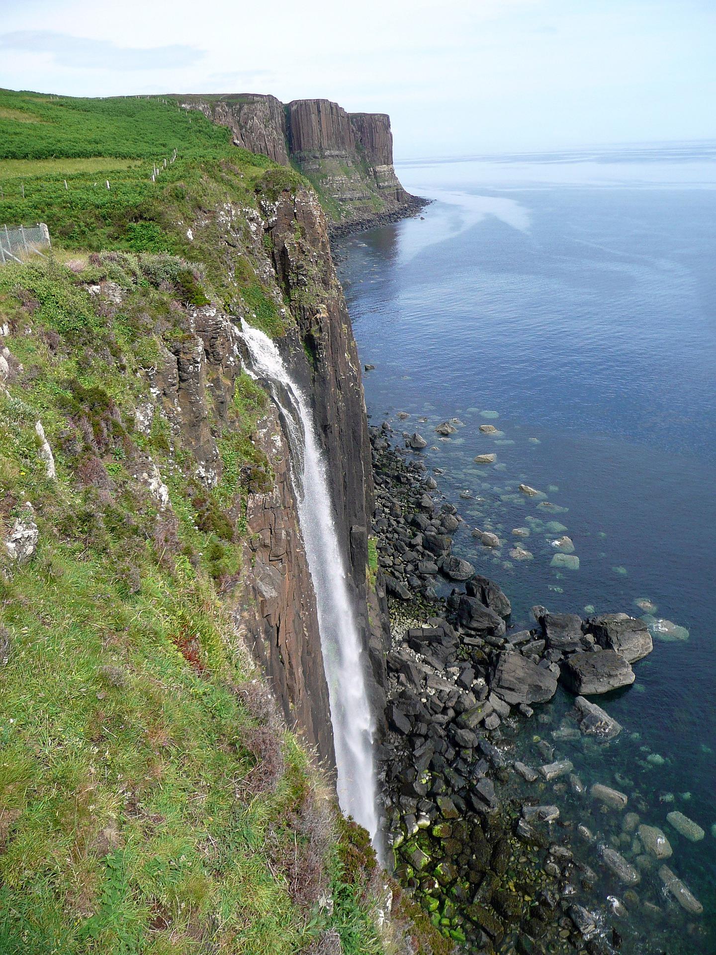 Beautiful-Waterfall-Kilt-Rock