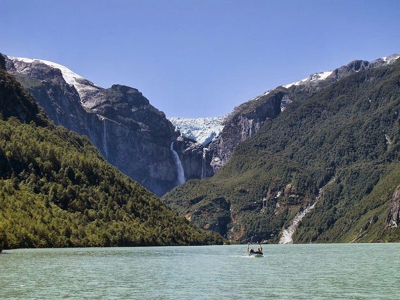 Beautiful-waterfalls-ventisquero-colgante-15
