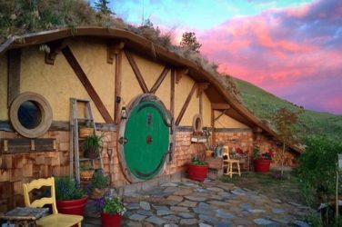 Coolest Airbnb - Hobbit House
