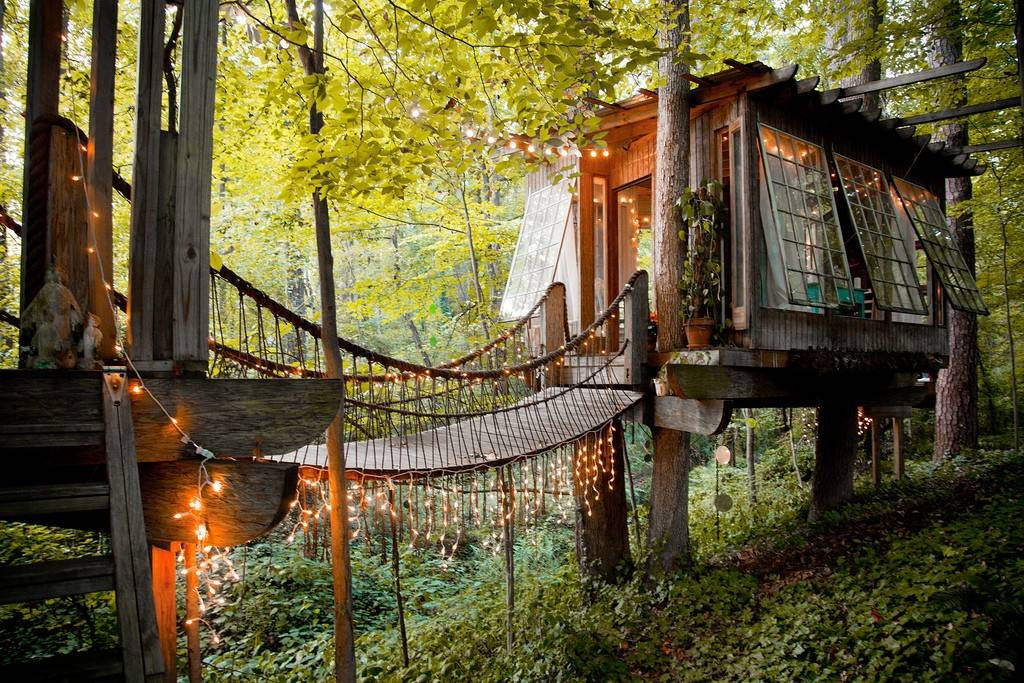 Coolest Airbnbs - Treehouse