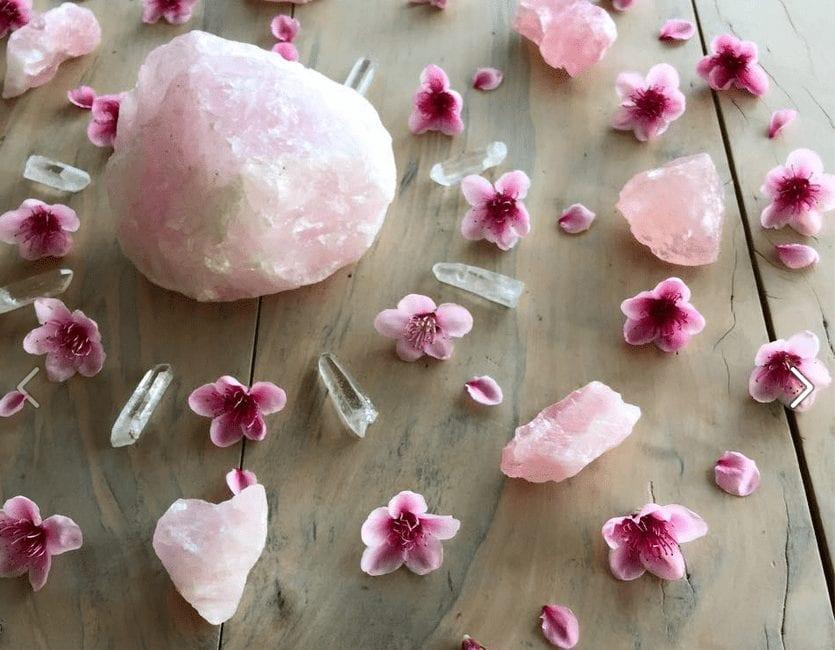 healing crystals rose quartz
