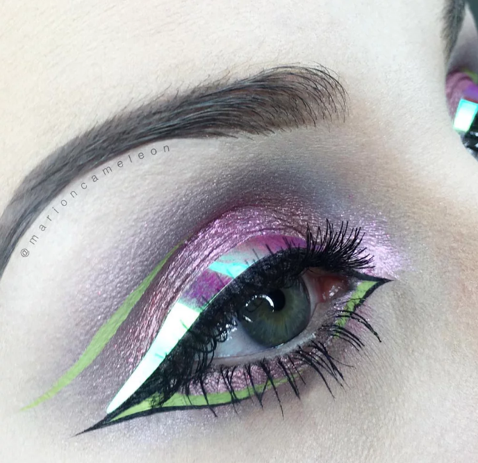 holographic liner