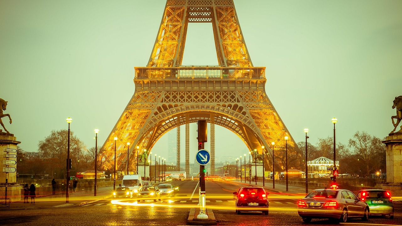 booking Travel Insurance - paris