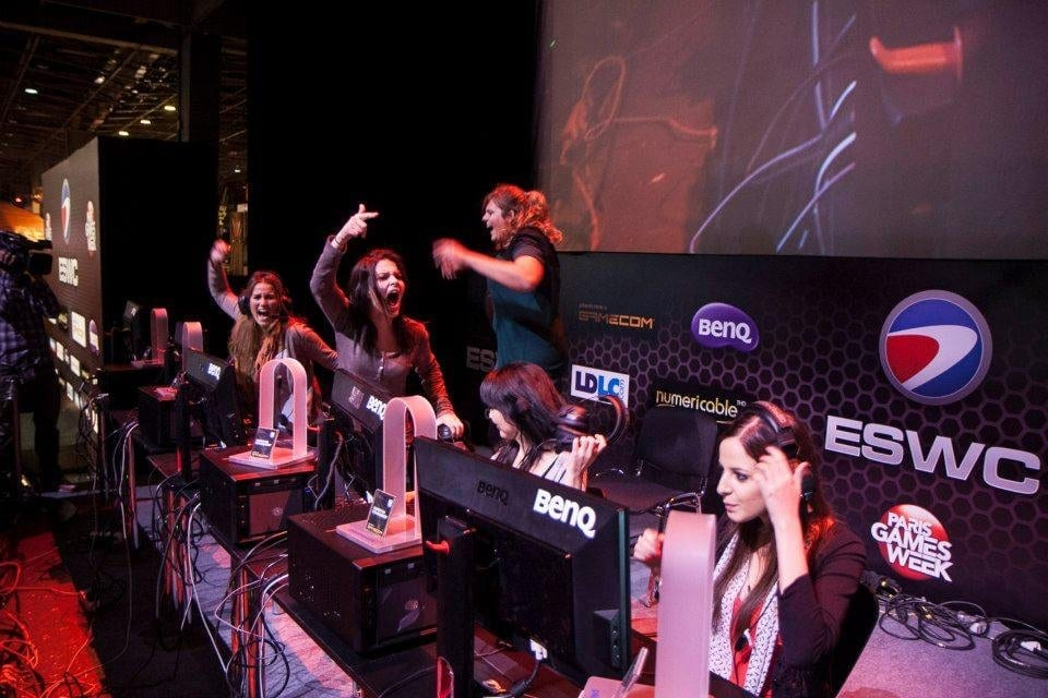 Top 5 Best Female Gamers In The World