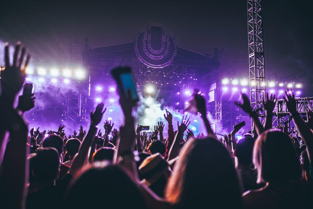 10 Essentials for Your Music Festival Survival Kit
