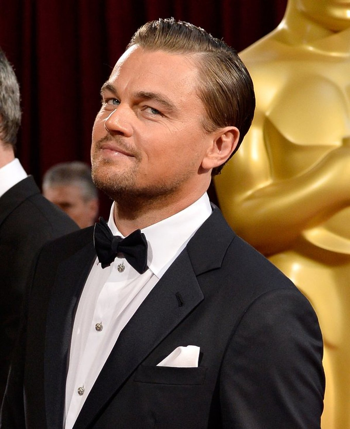 male actors over 40 Leonardo DiCaprio