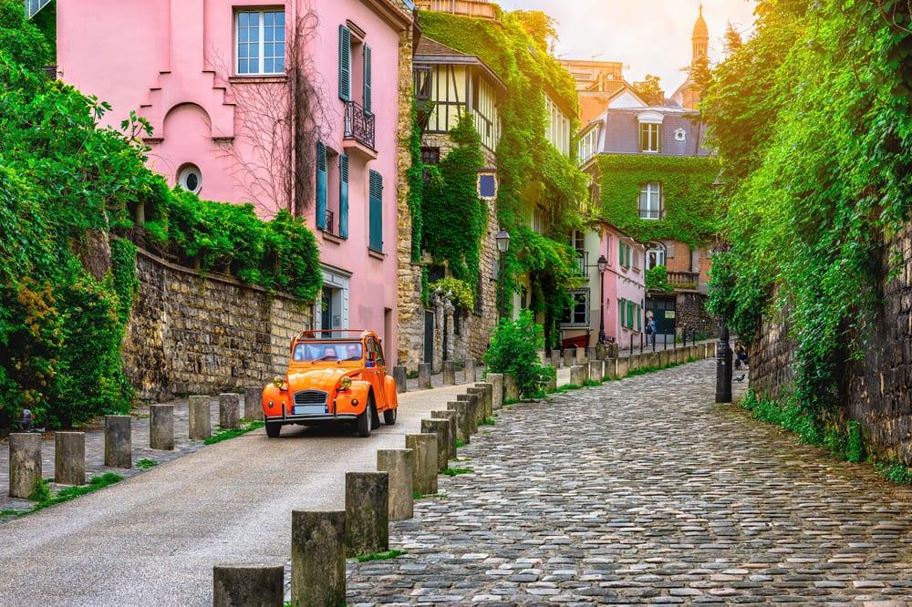The Coolest Neighborhoods to Visit in Paris