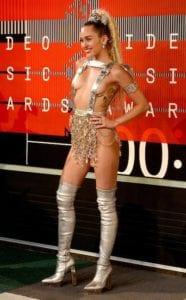 award show looks miley cyrus