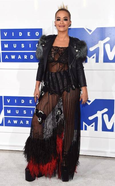 award show looks Rita Ora