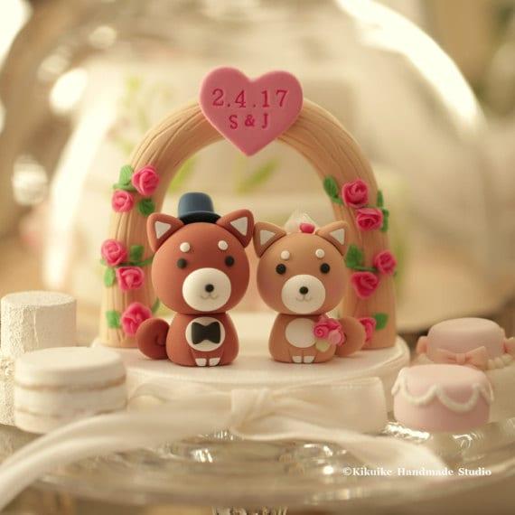 boho weddingcake topper with dogs shiba inus