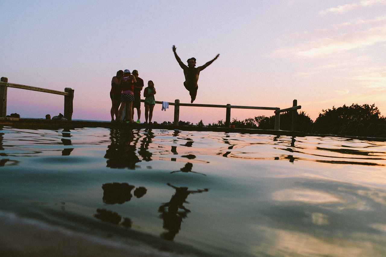 pool party ideas making a splash
