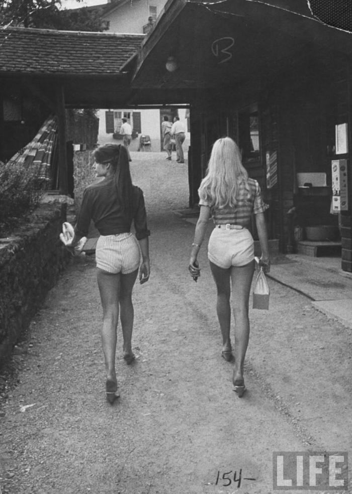 Jane Birkin and Brigette Bardot - vintage photos