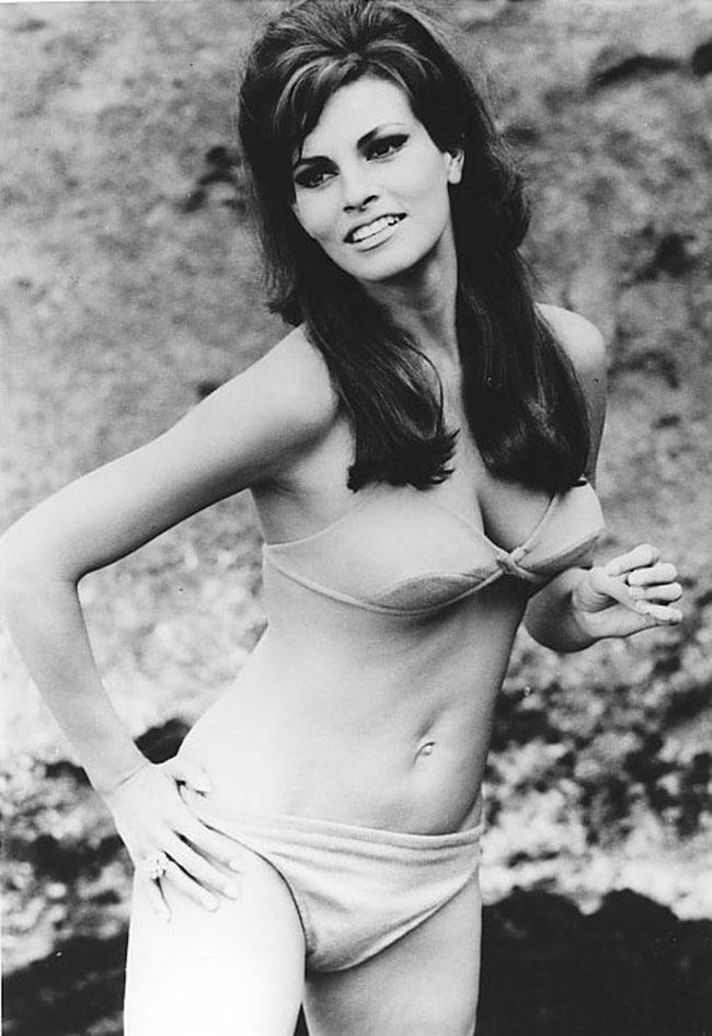 Raquel Welch - vintage photos of woman