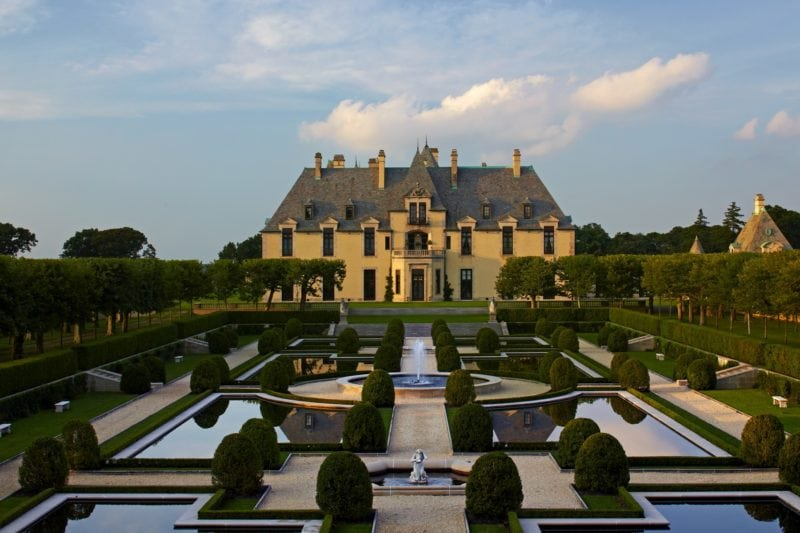 biggest houses in the world Oheka Castle