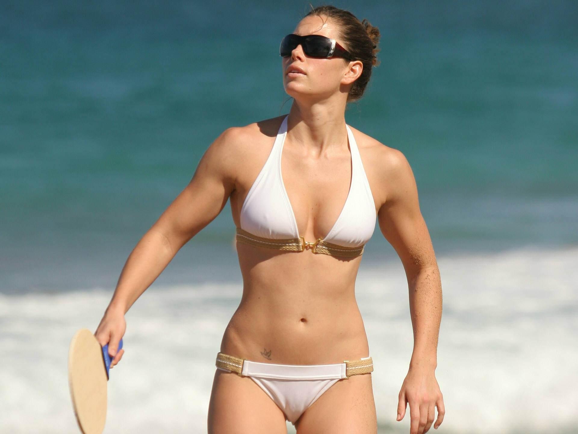 celeb bikini bod Jessica Biel