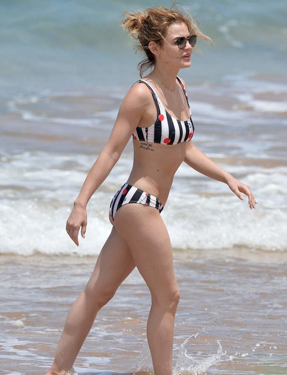 celeb bikini bod Lucy Hale