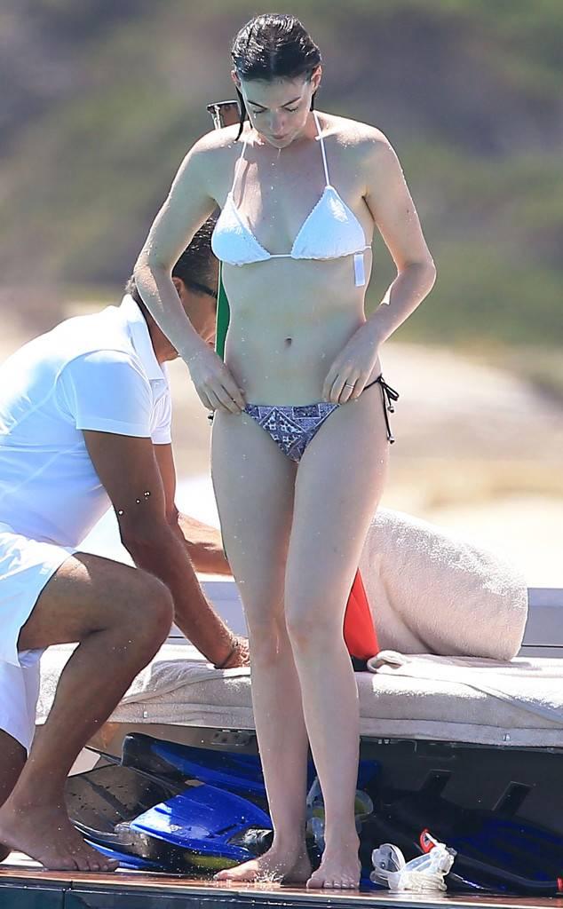 celeb bikini bod Anne Hathaway