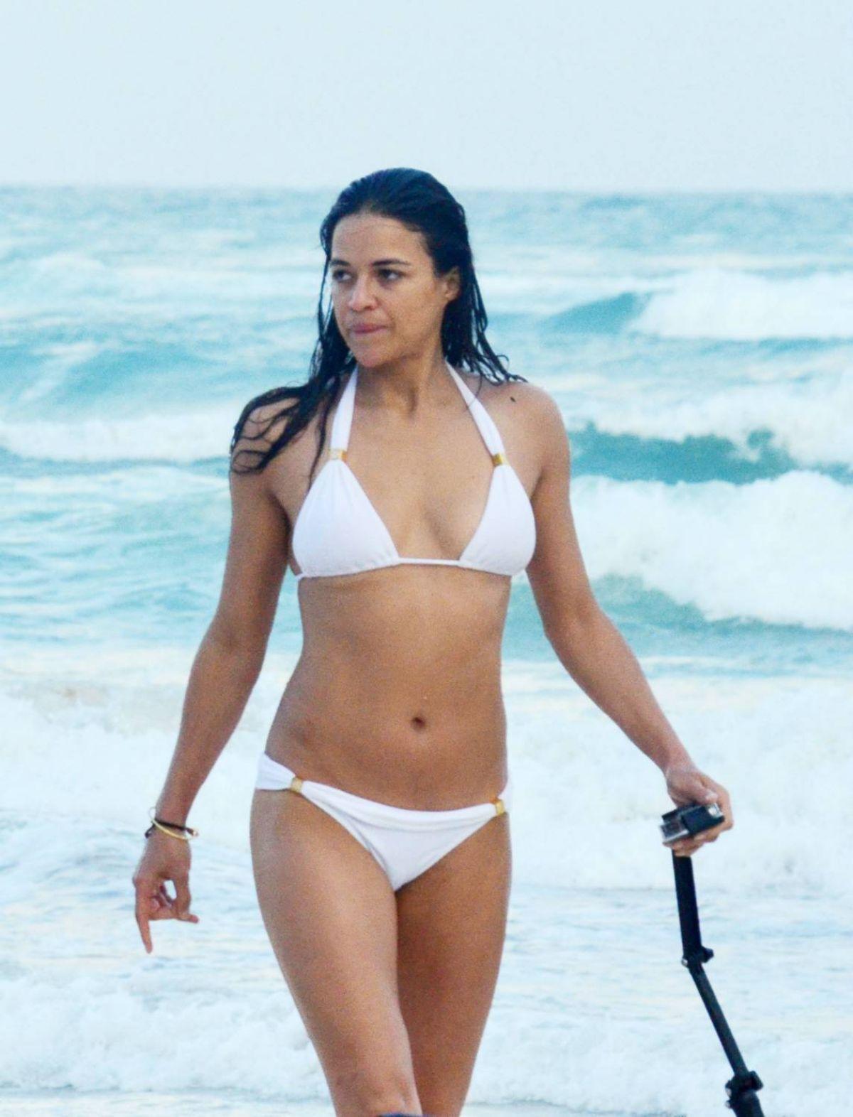 celeb bikini bod Michelle Rodriguez