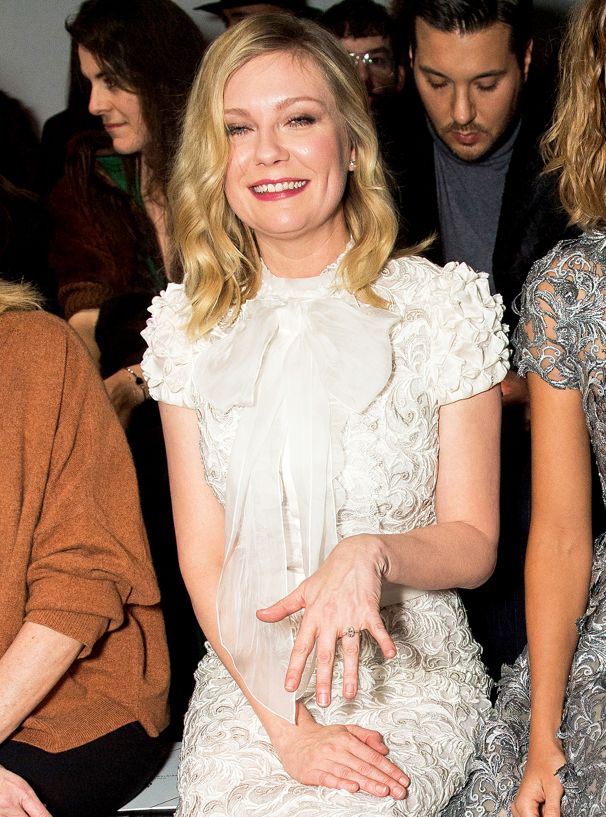 celebrity engagement rings kirsten dunst