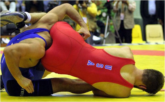 funny sports photos | wrestlers in awkward positions