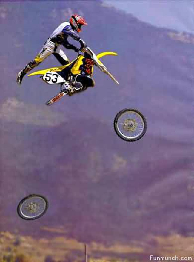 funny sports photos | wheelie with wheels fallen off
