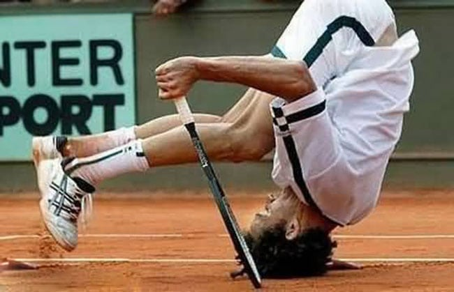 funny sports photos | tennis player landing on head